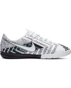 Nike Youth Mercurial Vapor 13 Academy MDS Indoor Soccer Shoe (White/White-Black)